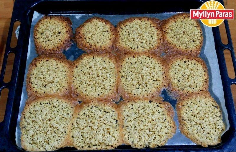 овсяное печенье без муки из овсяных хлопьев среднего размера