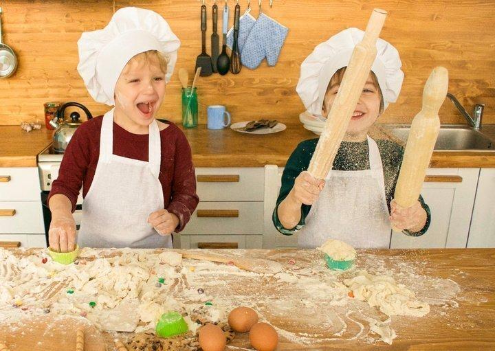 Топ-5 летних блюд, которые можно приготовить вместе с ребенком